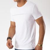 /achat-t-shirts/guess-tee-shirt-u92m00-jr00a-blanc-166352.html