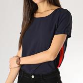 https://www.laboutiqueofficielle.com/achat-t-shirts/tee-shirt-femme-first-bleu-marine-rouge-166672.html