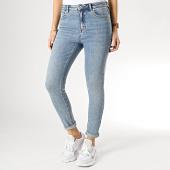 https://www.laboutiqueofficielle.com/achat-jeans/only-jean-skinny-femme-mila-bleu-denim-167955.html