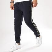 /achat-pantalons-joggings/blend-pantalon-jogging-a-bandes-20708030-bleu-marine-170296.html