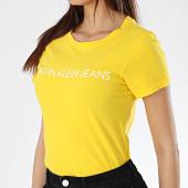 /achat-t-shirts/calvin-klein-tee-shirt-femme-institutional-logo-7940-jaune-170037.html