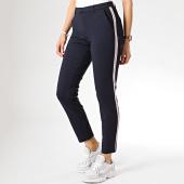 /achat-pantalons-carreaux/only-pantalon-femme-avec-bandes-poptrash-stormy-bleu-marine-171373.html