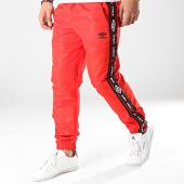 /achat-pantalons-joggings/umbro-pantalon-jogging-avec-bandes-authentic-696660-60--rouge-noir-171336.html