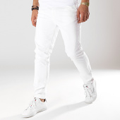 /achat-chinos/jack-and-jones-pantalon-chino-marco-bowie-blanc-171835.html