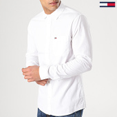 /achat-chemises-manches-longues/tommy-hilfiger-jeans-chemise-manches-longues-solid-poplin-5991-blanc-171859.html
