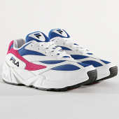 /achat-baskets-basses/fila-baskets-femme-v94m-low-1010291-03h-white-electric-blue-very-berry-172311.html
