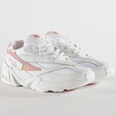 /achat-baskets-basses/fila-baskets-femme-v94m-low-1010600-02n-white-salmon-chalk-pink-172319.html