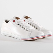/achat-baskets-basses/redskins-baskets-vandal-xk11102-white-172414.html