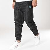 /achat-pantalons-joggings/umbro-pantalon-jogging-475770-60-noir-172360.html
