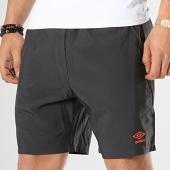 /achat-shorts-jogging/umbro-short-jogging-training-696040-60-gris-anthracite-172613.html