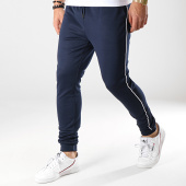 /achat-pantalons-joggings/only-and-sons-pantalon-jogging-william-bleu-marine-173074.html