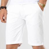 /achat-shorts-chinos/geographical-norway-short-chino-peluche-blanc-173517.html