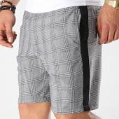 /achat-shorts-chinos/brave-soul-short-a-carreaux-avec-bandes-thomascheck-noir-blanc-174855.html