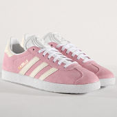 /achat-baskets-basses/adidas-baskets-femme-gazelle-f34327-true-pink-ecrtin-footwear-white-175108.html