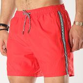 /achat-maillots-de-bain/emporio-armani-short-de-bain-a-bandes-211740-9p420-rouge-175091.html