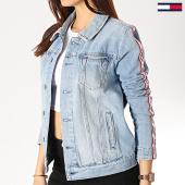 https://www.laboutiqueofficielle.com/achat-vestes-jean/veste-jean-femme-avec-bandes-truker-5924-bleu-wash-175512.html