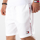 /achat-shorts-jogging/tommy-sport-short-jogging-avec-bandes-tape-detail-0006-blanc-175766.html