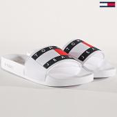 /achat-claquettes-sandales/tommy-hilfiger-jeans-claquettes-femme-flag-en0en00474-blanc-175804.html
