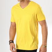 /achat-t-shirts-poche/celio-tee-shirt-poche-vebasic-jaune-175896.html