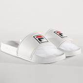 /achat-claquettes-sandales/fila-claquettes-femme-palm-beach-1010341-1fg-blanc-176407.html