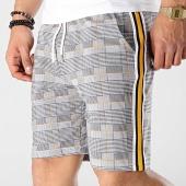 /achat-shorts-jogging/uniplay-short-a-carreaux-avec-bandes-go51-blanc-noir-176422.html
