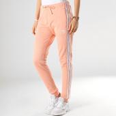 /achat-pantalons-joggings/adidas-pantalon-jogging-femme-avec-bandes-regular-dv2600-rose-177349.html