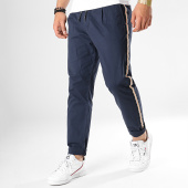 /achat-chinos/jack-and-jones-pantalon-chino-a-bandes-ace-arrow-tape-bleu-marine-177761.html
