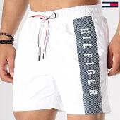 /achat-maillots-de-bain/tommy-hilfiger-short-de-bain-medium-drawstring-1066-blanc-177783.html