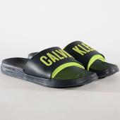 /achat-claquettes-sandales/calvin-klein-claquettes-slide-376-bleu-marine-vert-clair-178042.html