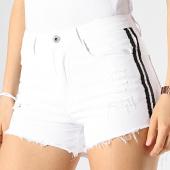 /achat-shorts-jean/girls-only-short-jean-femme-avec-bandes-29270b-blanc-noir-178008.html