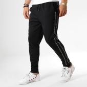 /achat-pantalons-joggings/hugo-by-hugo-boss-pantalon-jogging-avec-bandes-drapani-50410585-noir-178786.html
