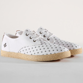 /achat-chaussures/classic-series-chaussures-barry-blanches-179250.html