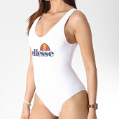 /achat-maillots-de-bain/ellesse-maillot-de-bain-une-piece-femme-1084l-blanc-179563.html