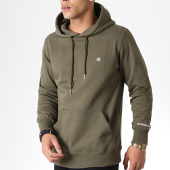 /achat-sweats-capuche/calvin-klein-sweat-capuche-badge-2770-vert-kaki-179870.html