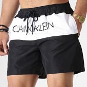 /achat-maillots-de-bain/calvin-klein-short-de-bain-medium-drawsting-0293-noir-blanc-179898.html