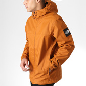 /achat-vestes/the-north-face-veste-zippee-capuche-mountain-q-marron-179976.html