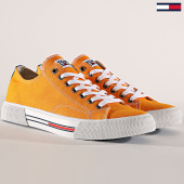 /achat-baskets-basses/tommy-hilfiger-jeans-baskets-classic-em0em00290-yellow-radiant-180243.html