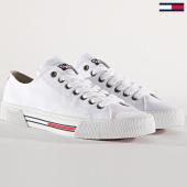 /achat-baskets-basses/tommy-hilfiger-jeans-baskets-femme-classic-en0en00590-white-180245.html