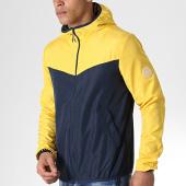 /achat-coupe-vent/jack-and-jones-coupe-vent-vibe-light-jaune-bleu-marine-180338.html