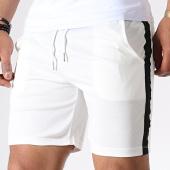 /achat-shorts-jogging/frilivin-short-jogging-a-bandes-1579-ecru-180728.html