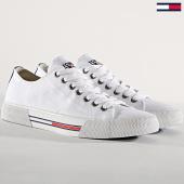 /achat-baskets-basses/tommy-hilfiger-jeans-baskets-classic-em0em00290-white-180916.html