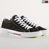 /achat-baskets-basses/tommy-hilfiger-jeans-baskets-classic-em0em00290-black-180917.html