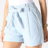 /achat-shorts-chinos/only-short-chino-a-rayures-femme-leila-paperwaist-bleu-ciel-blanc-182411.html