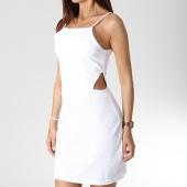 /achat-robes/urban-classics-robe-femme-tb2614-blanc-182681.html
