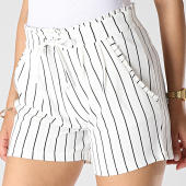 /achat-shorts-chinos/only-short-femme-a-rayures-catia-blanc-noir-183399.html