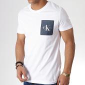 /achat-t-shirts-poche/calvin-klein-tee-shirt-poche-monogram-2993-blanc-bleu-marine-183459.html