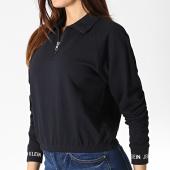 /achat-sweats-col-zippe/calvin-klein-sweat-col-zippe-femme-logo-tape-cropped-1490-noir-blanc-184098.html