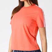 /achat-t-shirts/calvin-klein-tee-shirt-femme-a-bandes-straight-logo-tape-1880-corail-184112.html