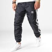 /achat-pantalons-joggings/wrung-pantalon-jogging-a-bandes-delta-noir-blanc-184216.html