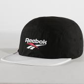 /achat-casquettes-de-baseball/reebok-casquette-retro-running-ed6885-noir-blanc-184461.html